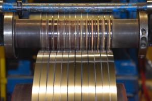 تولید تسمه استیل 300x200 - تسمه استیل چیست و چه کاربردی دارد؟